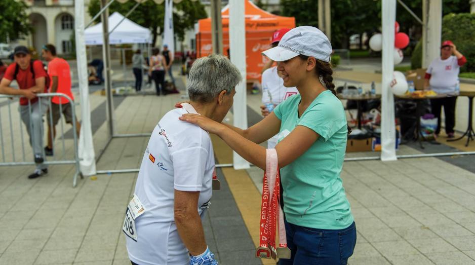 Бойка Арсова, доброволци